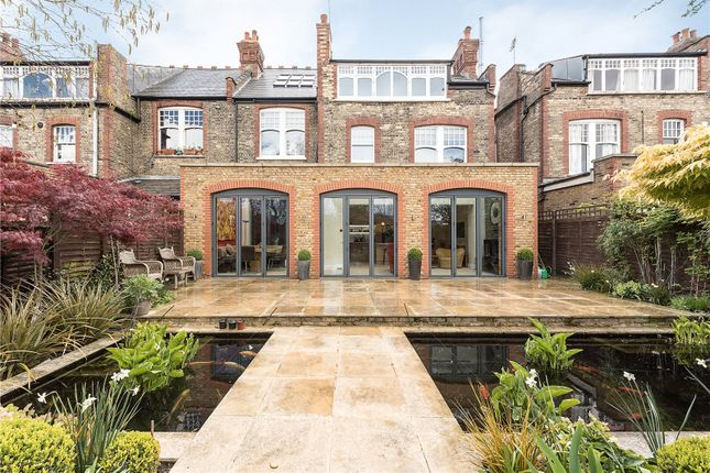 Thumbnail Semi-detached house for sale in Queens Avenue, Muswell Hill, London