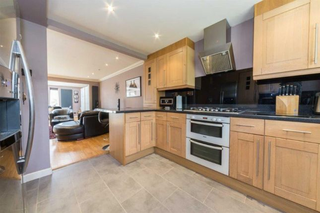Kitchen of Blacksmiths Common, Chalton, Luton LU4