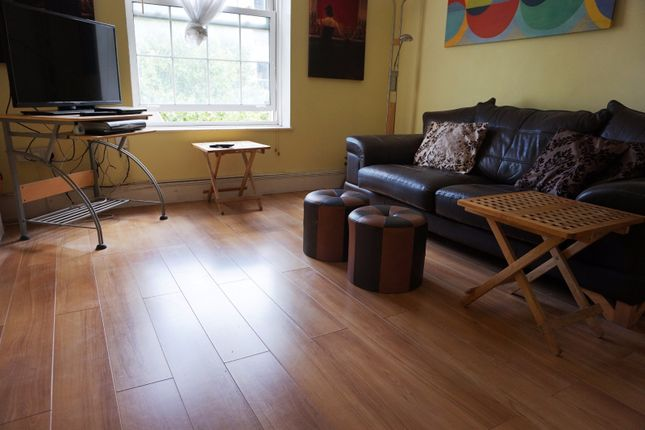 Thumbnail Flat for sale in Harper Road, Elephant And Castle