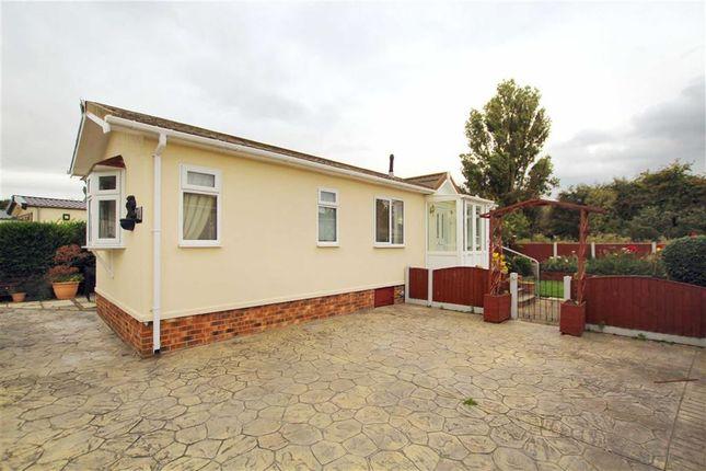 Thumbnail Mobile/park home for sale in Little Paddock Residential Site, Gwellyn Avenue, Kinmel Bay, Rhyl