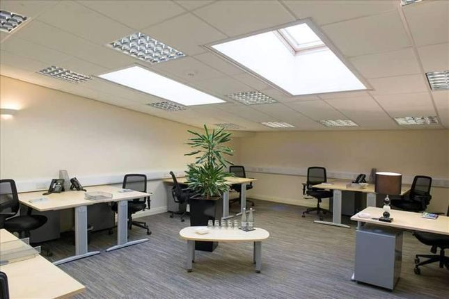 Serviced office to let in Hornby Street, Bury