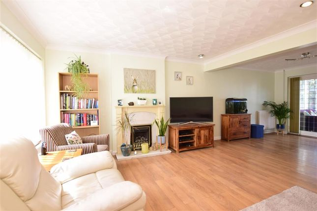Lounge/Diner of Flowerhill Way, Istead Rise, Kent DA13