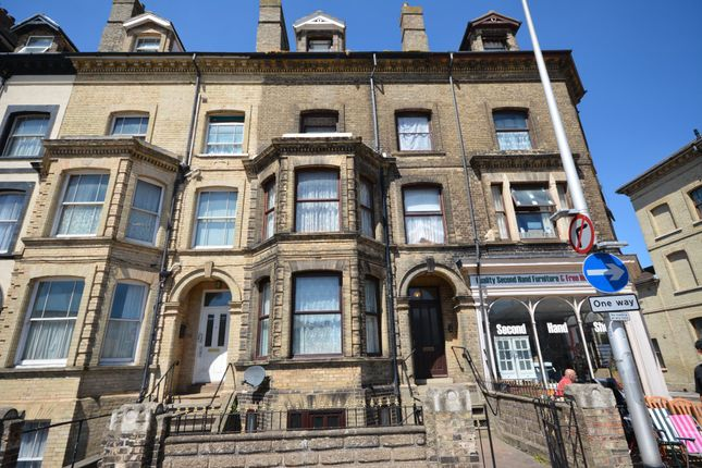 Thumbnail Flat for sale in London Road South, Lowestoft