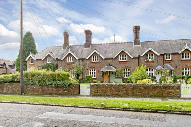 Thumbnail Terraced house to rent in High Street, Amersham