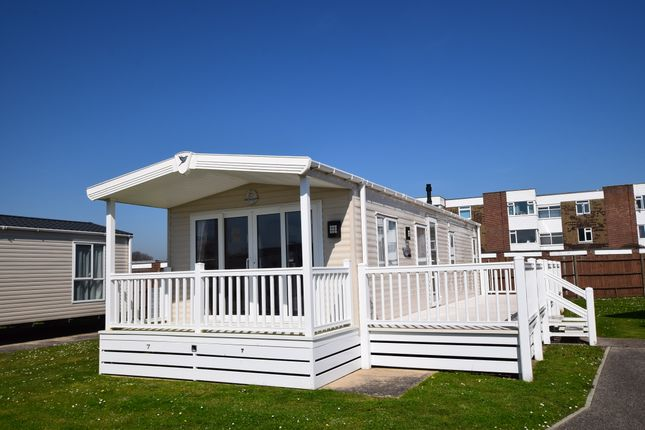 2 bed mobile/park home for sale in Pevensey Bay Holiday Park, Pevensey Bay