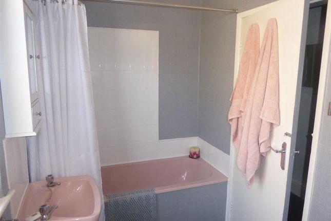 Bathroom of Top Flat 6 Dolphin Street, Cleethorpes, N.E. Lincolnshire DN35