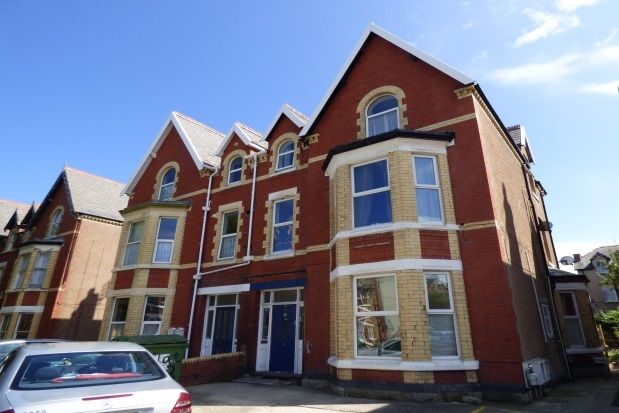 Thumbnail Flat to rent in Mostyn Road, Colwyn Bay