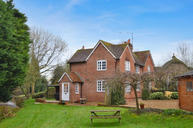 Thumbnail Cottage for sale in Chamberhouse Mill Lane, Thatcham
