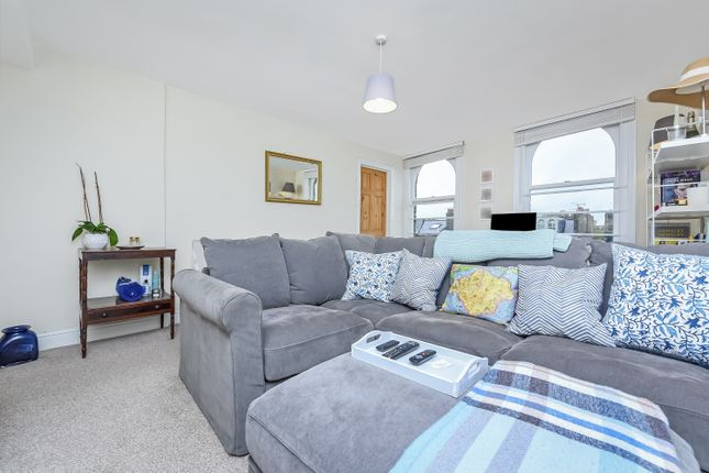 Thumbnail Flat to rent in The Chase, Clapham