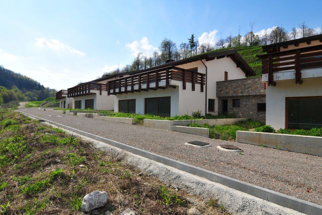 Thumbnail Block of flats for sale in Bergamo, Lombardy, Italy