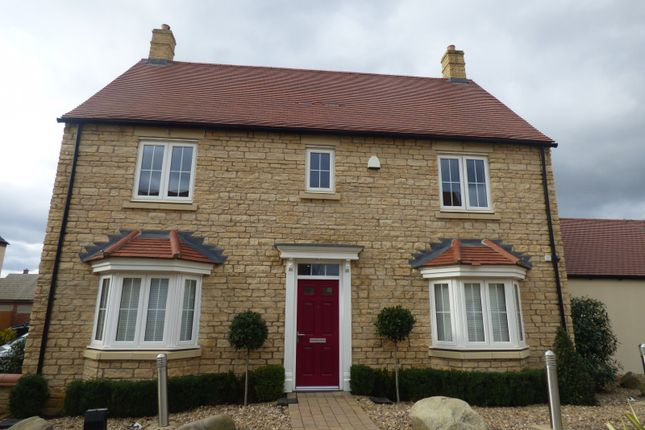 Thumbnail Detached house to rent in Whitelands Way, Bicester