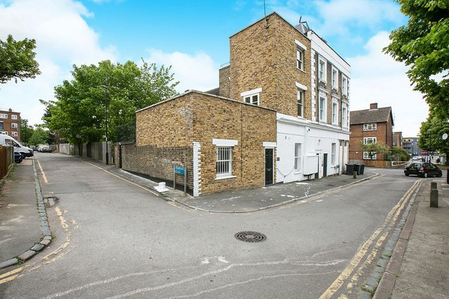 Thumbnail Flat for sale in Campshill Road, London