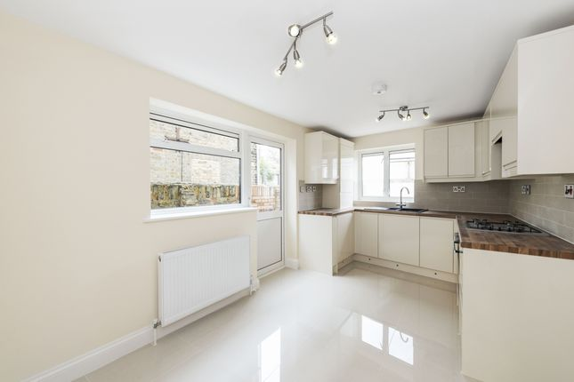 Thumbnail Terraced house to rent in Bow Common Lane, London