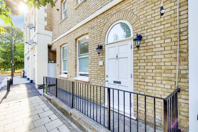 1 bed flat for sale in Clifton Rise, London SE14