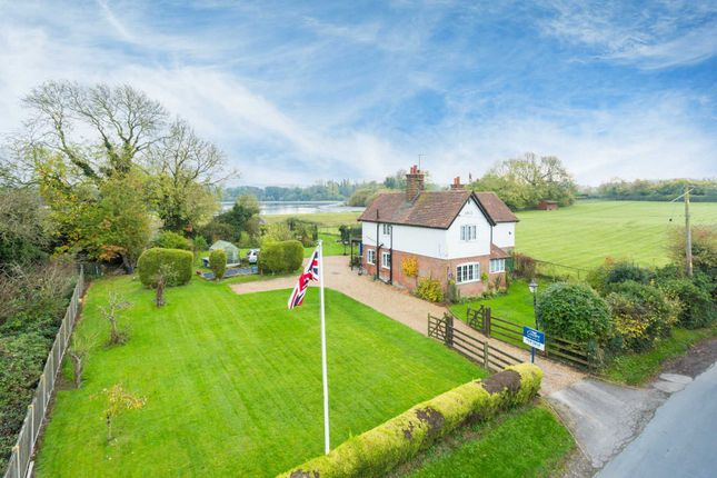 Thumbnail Detached house for sale in Wiggles Lane, Tringford, Tring
