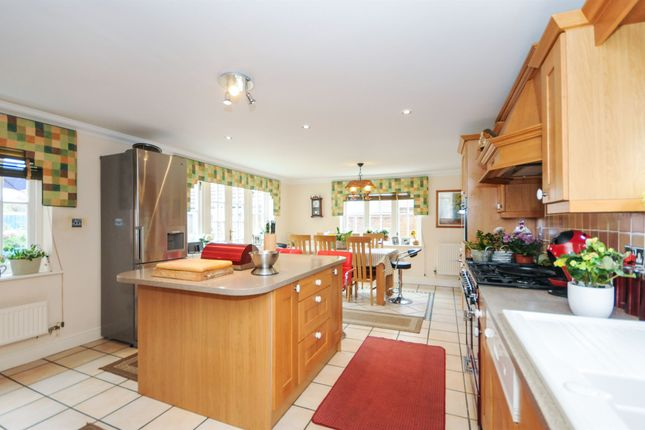 Thumbnail Detached house for sale in Cuckoo Way, Great Notley, Braintree