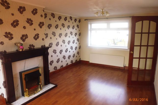 Thumbnail 2 bedroom town house to rent in Forth Crescent, High Valleyfield, Fife