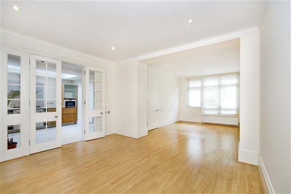 Thumbnail Terraced house for sale in St Michael's Mews, London