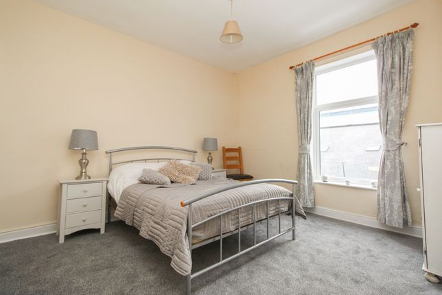 Bedroom 1 of Lancing Road, Sheffield S2