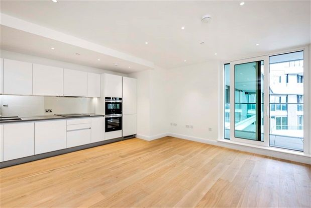 Thumbnail Property to rent in Sopwith Way, London