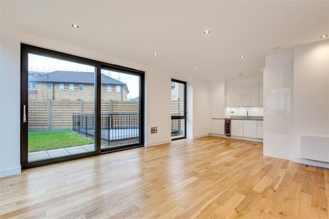 3 bed flat for sale in Elgin Avenue, Maida Vale W9