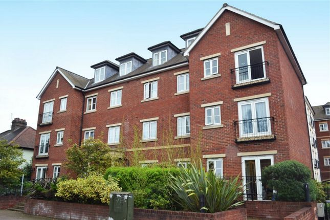 1 bed property for sale in Golden Court, Isleworth