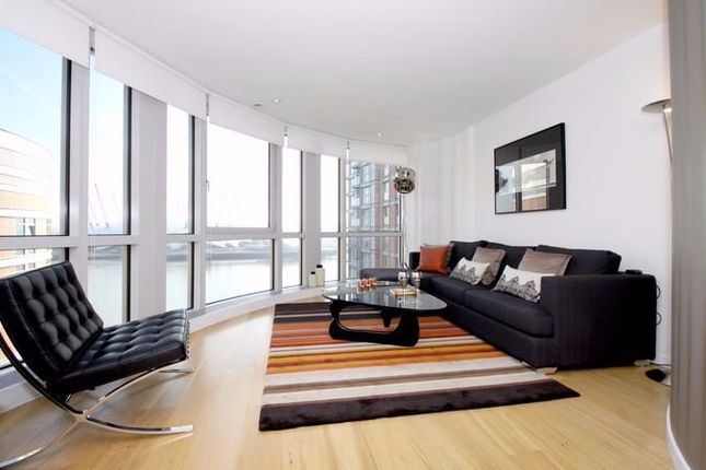 2 bed flat to rent in Fairmont Avenue, London