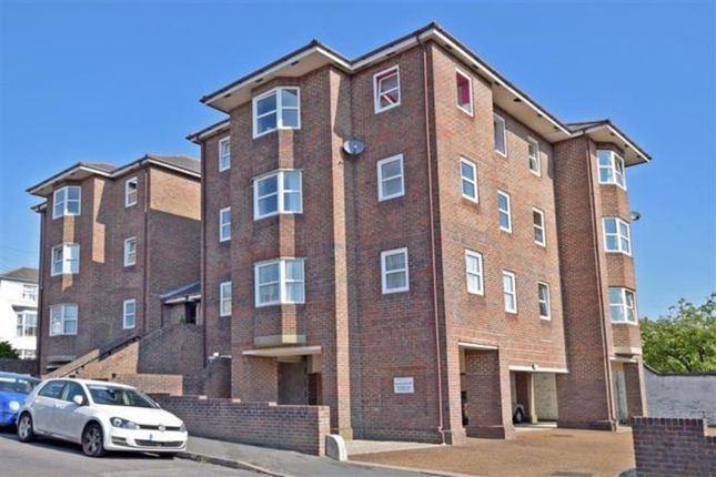 2 bed flat for sale in Park Road, Ryde