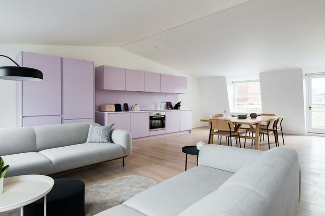 Thumbnail Duplex to rent in The Charterhouse, Charterhouse Square, London