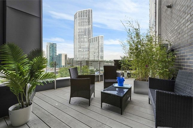Thumbnail Flat to rent in Nougat Court, 8 Taylor Place, London