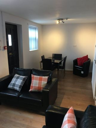 Thumbnail Flat to rent in Princes Avenue, Hull