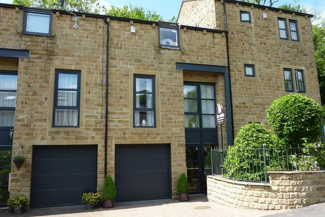 Thumbnail Property for sale in Tamewater Court, Dobcross, Oldham