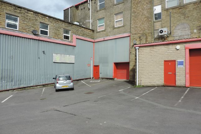 Thumbnail Warehouse to let in Burnley Road, Colne