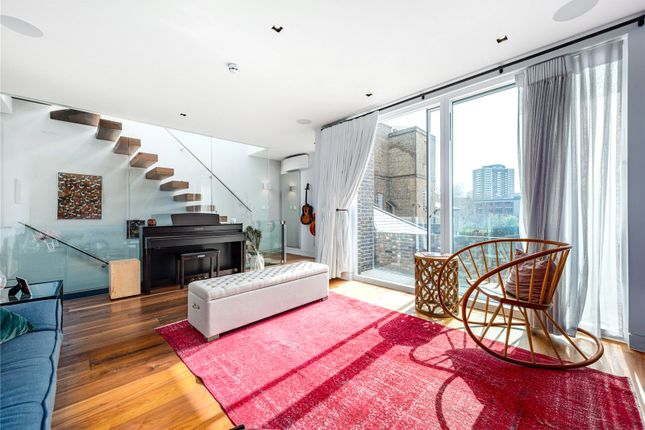 Thumbnail Mews house for sale in River Street Mews, Islington, London