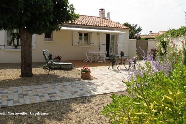 Property for sale in Pays De La Loire, Vendée, Longeville Sur Mer