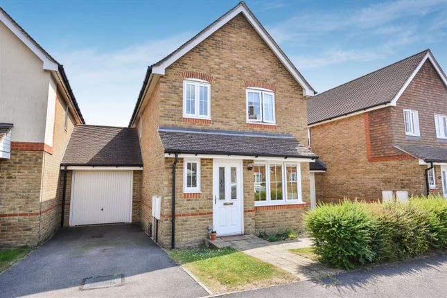 Thumbnail Semi-detached house for sale in Oak Tree Drive, Hassocks