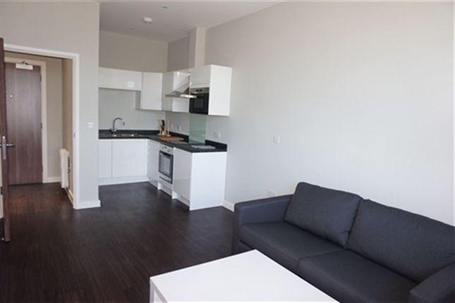 Thumbnail Flat to rent in Axis House, Bath Rd, Heathrow, London