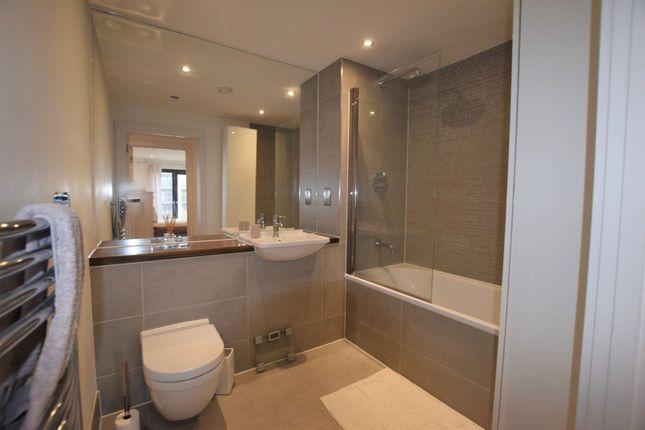 Bathroom of 10 Eythorne Road, Brixton / Oval SW9