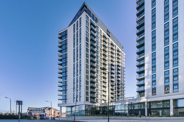 Thumbnail Flat to rent in Sutton Court Road, Sutton