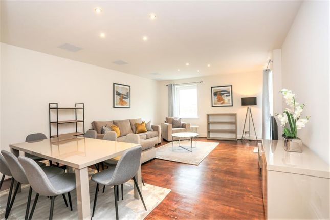 Thumbnail Flat to rent in Warren House, Beckford Close, Kensington