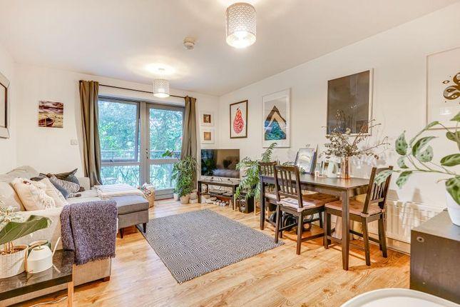 Thumbnail Flat to rent in Ellington House, Hackney