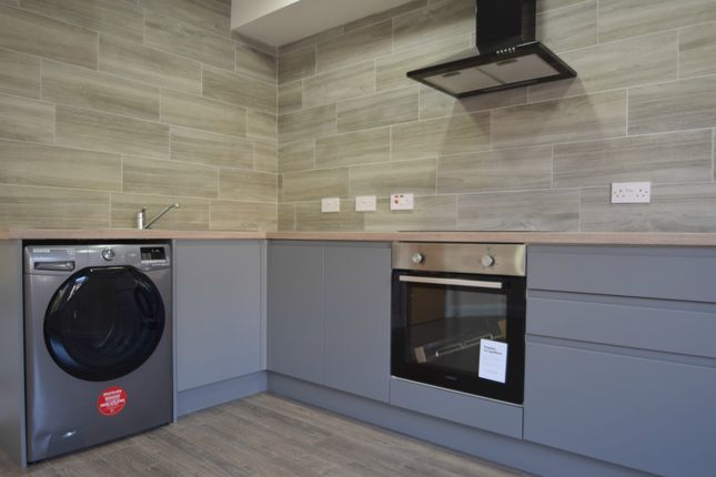Flat to rent in Colum Road, Cardiff