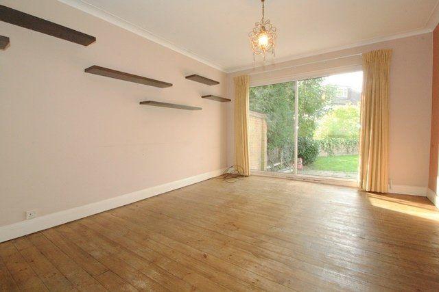 Room to rent in Hale Lane, Edgware HA8