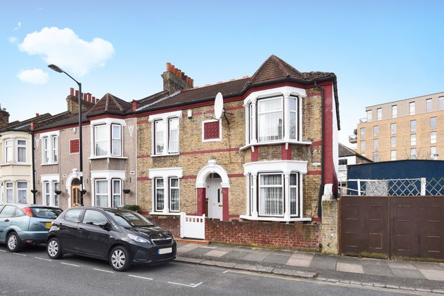 Thumbnail Terraced house for sale in Silvermere Road, Catford