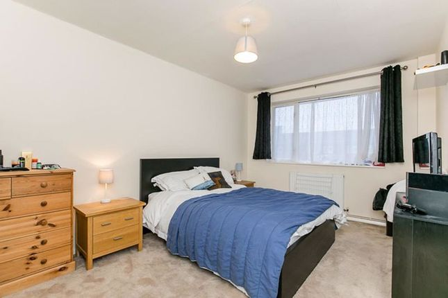 Photo 4 of The Drive, Horley RH6