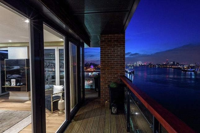 Thumbnail Flat for sale in 1.5.370 Waterfront III, Royal Arsenal Riverside, Woolwich, London
