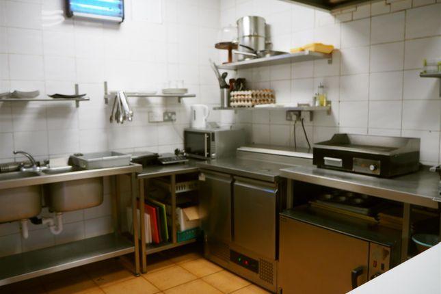 Photo 4 of Cafe & Sandwich Bars HX3, Hipperholme, West Yorkshire