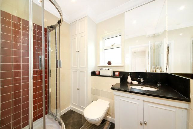 Bathroom of Warwick Way, Pimlico, London SW1V