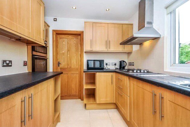 Thumbnail Room to rent in Farnley Road, London