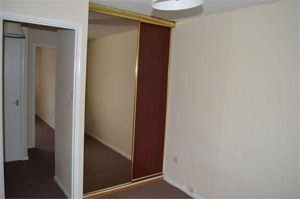 1 bed flat to rent in Burdetts Road, Dagenham, Essex